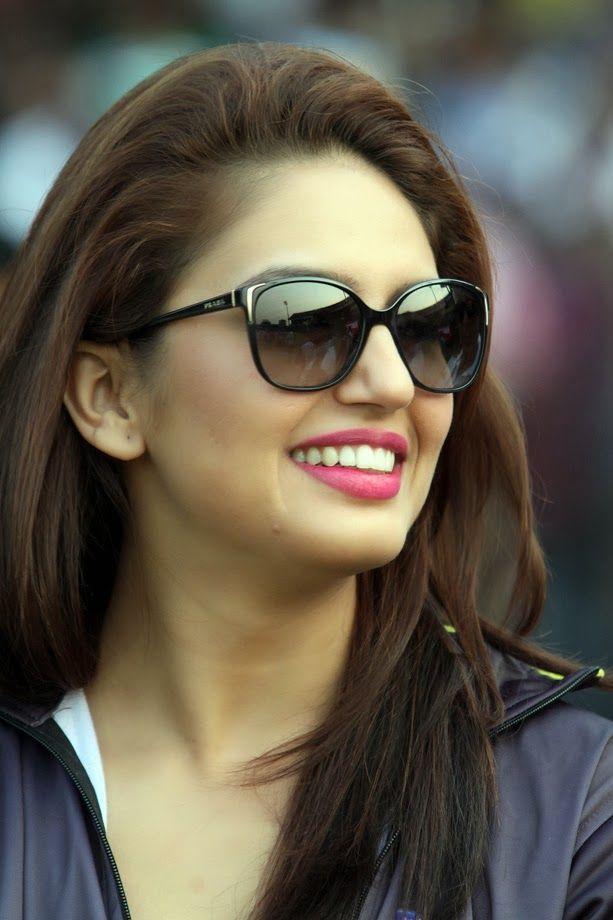 Huma Qureshi Unseen Photos In Beautiful Blue Dress - Tollywood Stars