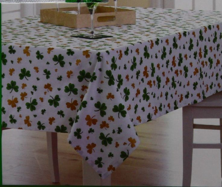 St Patricks Day White w/Green & Gold Shamrock 60x102 Oblong Tablecloth NWT #Kohls