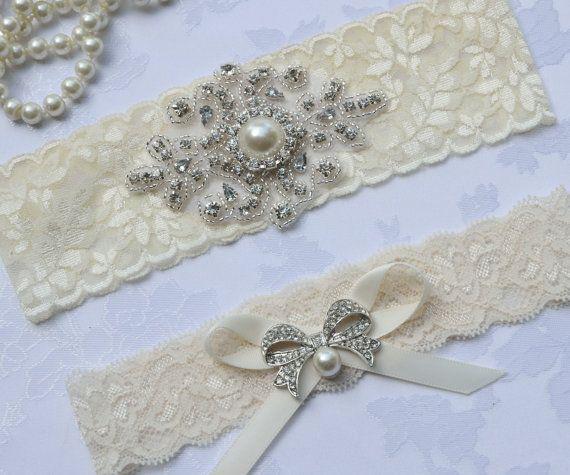 Elegant Ivory Garter Keepsake Lace Wedding Toss