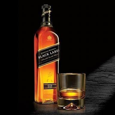 Black Label 1000ml R$ 15200 Caixa com 12 unidades Cartão 10% de acréscimo  #blacklabel #whisky #black #whisky12anos #whiskyatacado #adega #compreatacado #bares #12anos #festa #bebidaonline #bebidaatacado #boate #bar #bartender #cancunbebidas