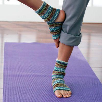 Patons® Yoga Socks: Idea, Knits Crochet, Knits Patterns, Free Patterns, Crochet Patterns, Crochet Knits, Yoga Socks, Socks Knits, Knits Needle