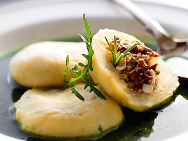 Kroppkakor med skirat smör och rårörda lingon (kock Sveriges mästerkock - lagtävling)