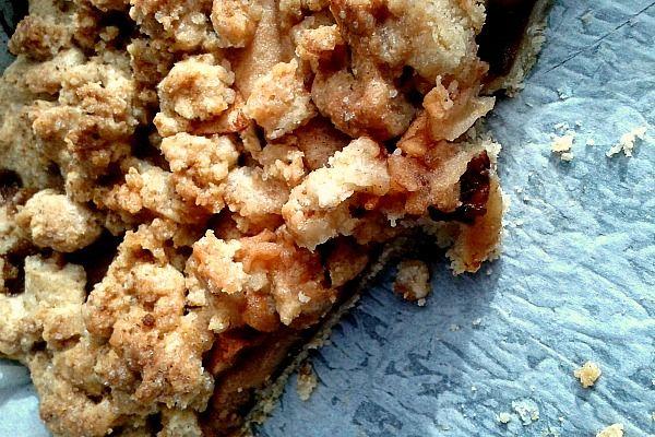 crostata crumble di mele e cannella - Blogmamma.it