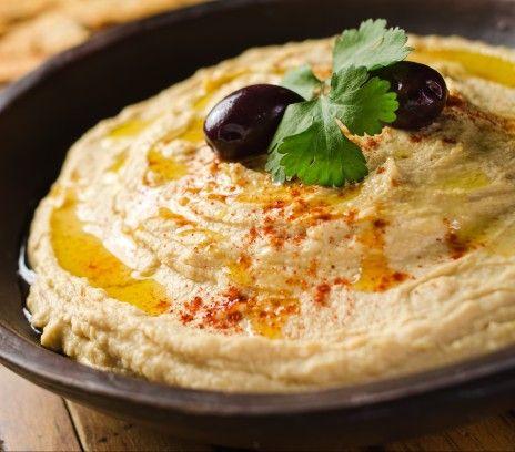 Hummus - Przepisy.Pyszne i zdrowe smarowidło do chleba rodem z kuchni arabskiej. Hummus to przepis, którego autorem jest: Magda Gessler