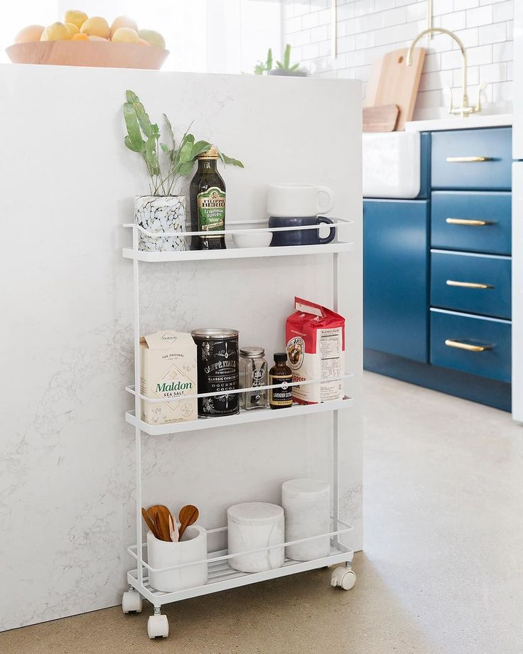 We're not-so-secretly obsessed with this @yamazakihome kitchen cart. Shop it on sale (today only!) via the link in our bio. Photo by @michaelwiltbank, styling by @annakayoh #SOdomino