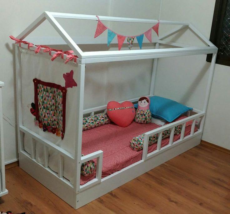 Cama de criança / cama casinha  Montessoriana  www.ateliecolorir.com.br  WhatsApp 11-993119329