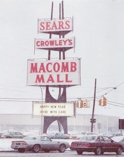 Vintage Sears, Macomb Mall (Roseville, Michigan) pylon sign. Mid-century.