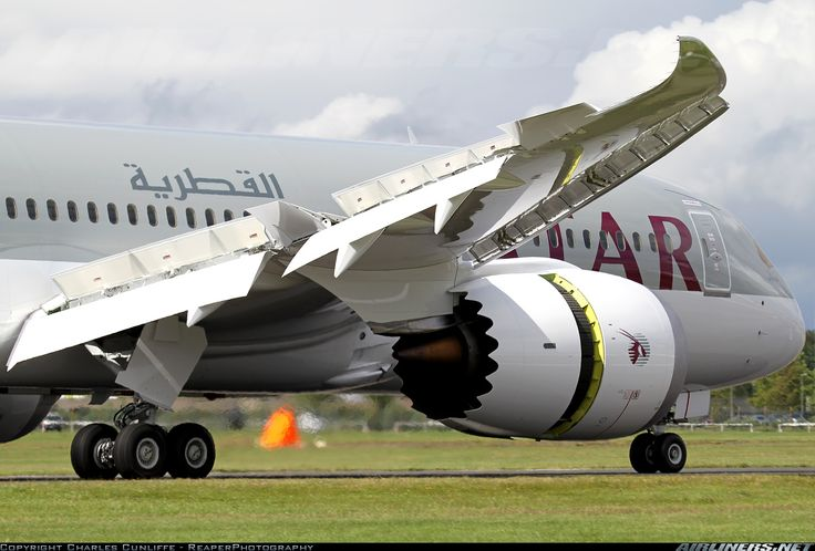 Boeing 787-8DZ Dreamliner. Latest for Qatar Airlines at Farnborough Air Show, July 10, 2012