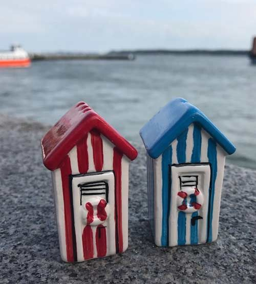 Beach huts and beach hut accessories in the uk coastal for Model beach huts