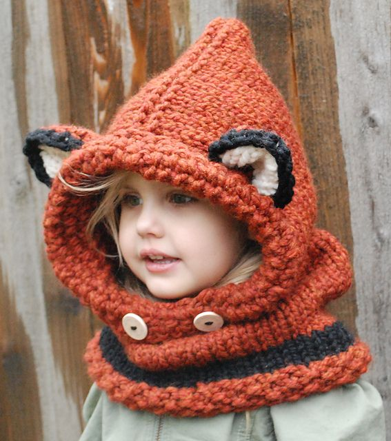 What does the fox say?   Ravelry: Failynn Fox Cowl pattern by Heidi May