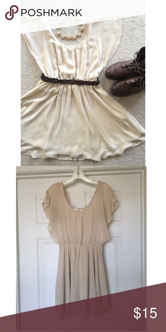 Forever 21 Flowy Beige Dress Forever 21 Flowy Beige Dress - Such a cute dress!!! Looks adorable with a belt and boots. Fully lined so it is not see-through. Forever 21 Dresses Midi