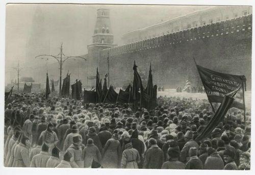 Поиск фотографий - История России в фотографиях funerali di Lenin