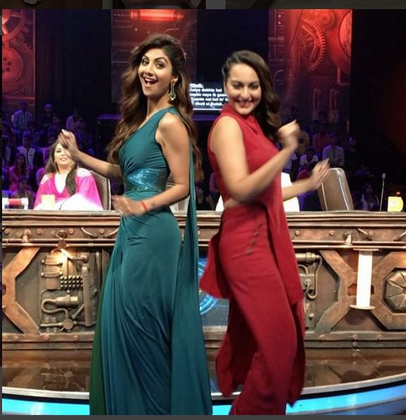 Shilpa Shetty And Sonakshi Sinha In A Beautiful Teal Blue And Red Gown