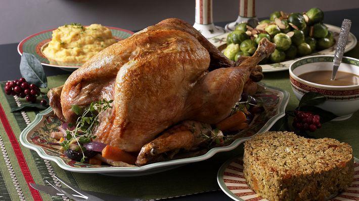 MatPrat - Julekalkun med stuffing, rotgrønnsaker og gyllen potetmos