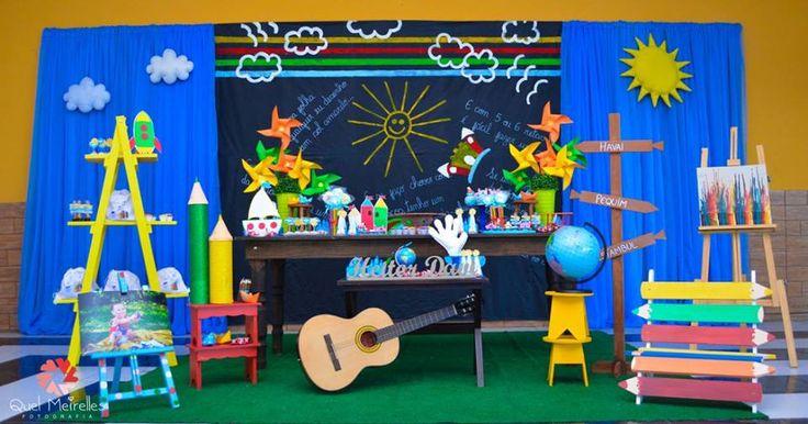 Uma linda festa baseada na letra da música Aquarela do Toquinho. Muito original e multicolorida!