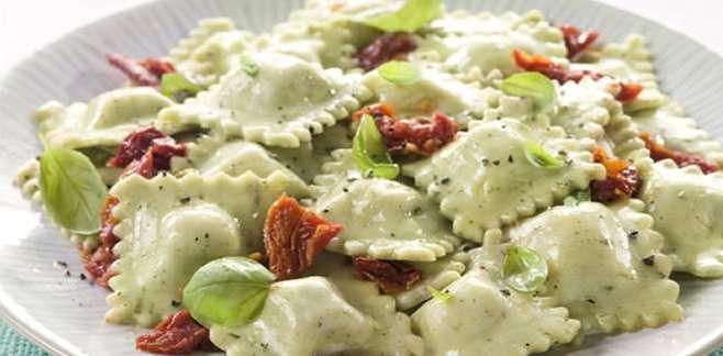 La Salteña   Recetas   Ravioles Parmesano y Muzzarella con salsa de tomates secos y albahaca