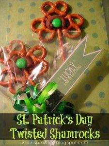St. Patrick's Day Craft: Homemade Twisted Shamrocks - #easy #DIY #Snack
