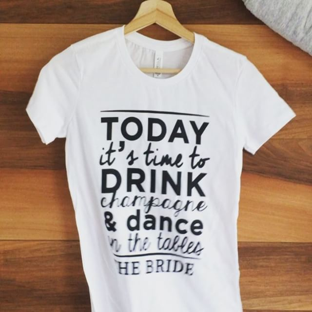 Dance on the tables 🍾🥂 #brideandco #bacheloretteparty #bridetobe #customtshirt #funnyvideos #dancelife #boomerangvideo #addioalnubilato #styleinspiration #instatees #tshirtdesign #partygirls #partystyle #hapybride #happyparty #tshirtpersonalizzate by #creamadesign