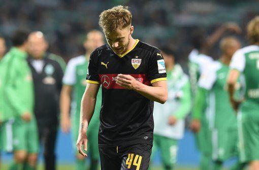 Abgang: Der Stuttgarter Alexandru Maxim kann die deutliche Niederlage in Bremen nicht fassen. Foto: dpa