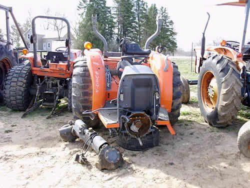 Kubota Tractor Salvage : Kubota l tractor salvaged for used parts this unit is