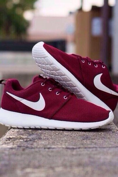 Nike Roshe Run Shoes Maroon