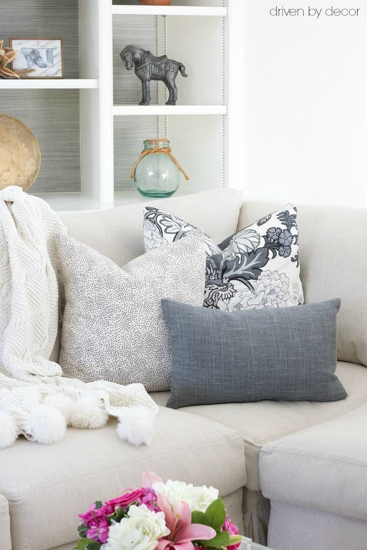 White Couch Pillow Ideas: Best 25+ Couch pillow arrangement ideas on Pinterest   Accent    ,