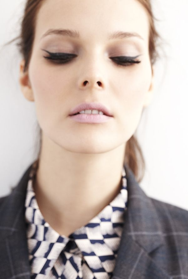 Tocca. Fall 2012: Make Up, Cats Eyes, Beauty Makeup, Cat Eyes, Pastel Pink, Pale Pink, Pink Lips, Eyes Makeup, Eyes Liners