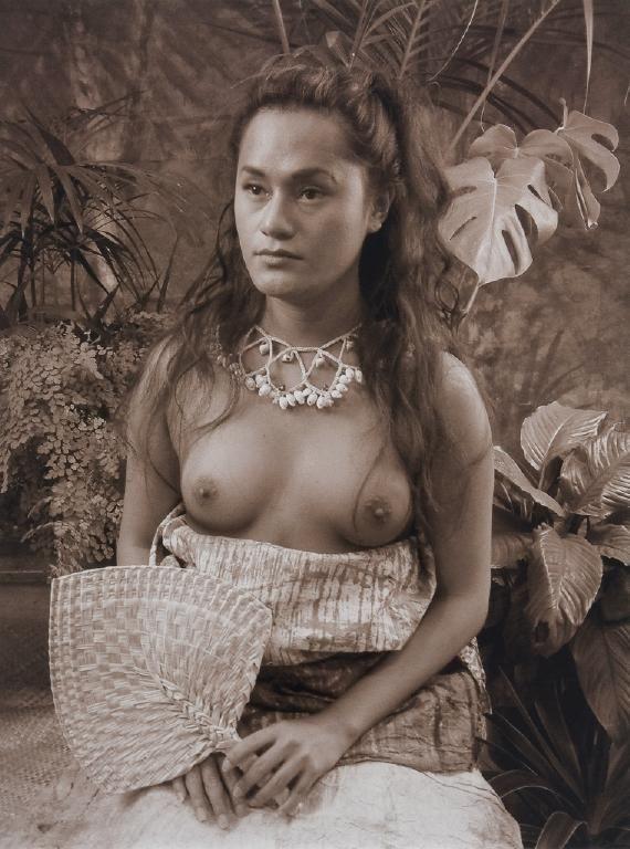 Teine Samoa - Samoan Woman by Yuki Kihara