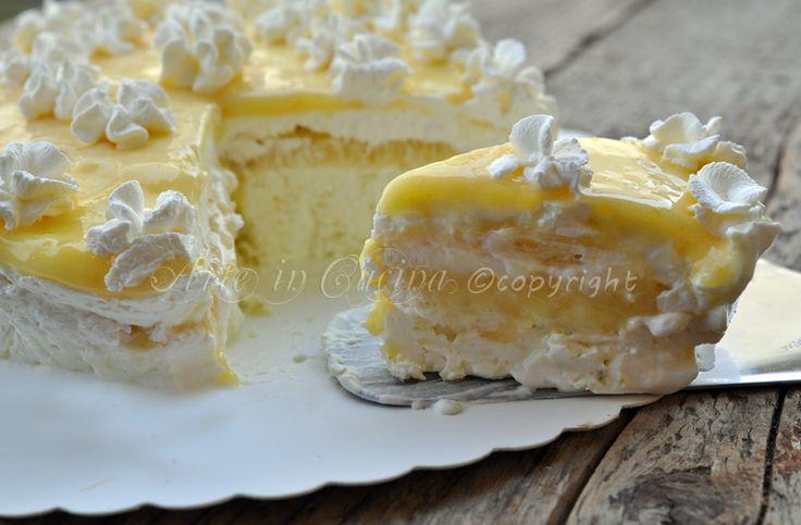 Torta gelato al limone, con lemon curd, ricetta facile, dolce freddo, estivo, profumato, ricetta per feste di compleanno, dolce della domenica, senza forno