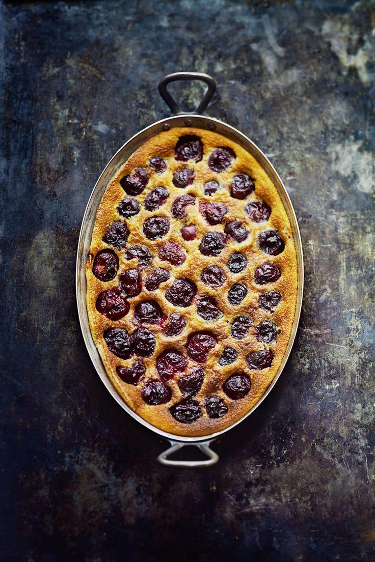 """""""Selon moi, le #clafoutis aux cerises fait partie des desserts repères incontournables de notre culture française. Et que…"""