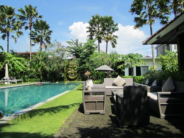 Retreat down to southern Bali for an incredible Fitness, Spinning, Adventure & Yoga event with The Yoga Getaway & Chris Plourde. This intimate resort features 6 villas, each with 2 private bedrooms and a spacious shared outdoor living area.  www.lightstaysretreats.com/directory/theyogagetaway-retreat-bali
