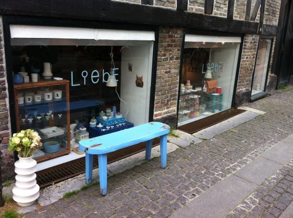 This small shop on the lovely Kompagnistræde sells different types of handpainted porcelain items, from tableware to jewelry. The style is very playful and feminine, with soft pastel colors and soft shapes. Each item is hand painted and unique, with a quirky style!