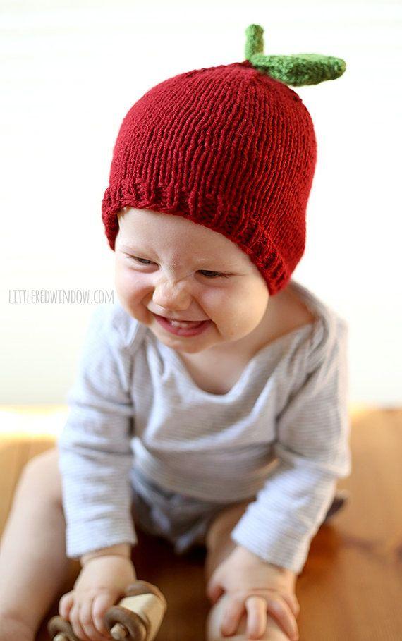 Cette version PDF imprimable de mon modèle de tricot pomme bébé chapeau très populaire, parfait pour l'automne et des excursions à la pomme verger et pumpkin patch d'une page sans publicité! (patron en taille 6 mois seulement est disponible gratuitement ici: http://littleredwindow.com/2013/10/apple-hat-knitting-pattern.html) Ce modèle est un téléchargement instantané. Le modèle de tricot PDF a des instructions pour les tailles 0-3 mois, 6 mois, 12 mois et 2 t +. Calibre: 20 = 4 pouces  On…