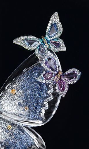 WALLACE CHAN JEWELRY | WALLACE CHAN'S Spring Azure close-up | WALLACE CHAN JEWELRY