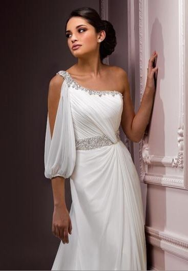 this dress is stunning ! I can't pull it off but its gorgeous !!!