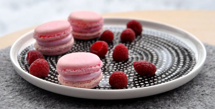 Raspberry Marshmallow Macarons