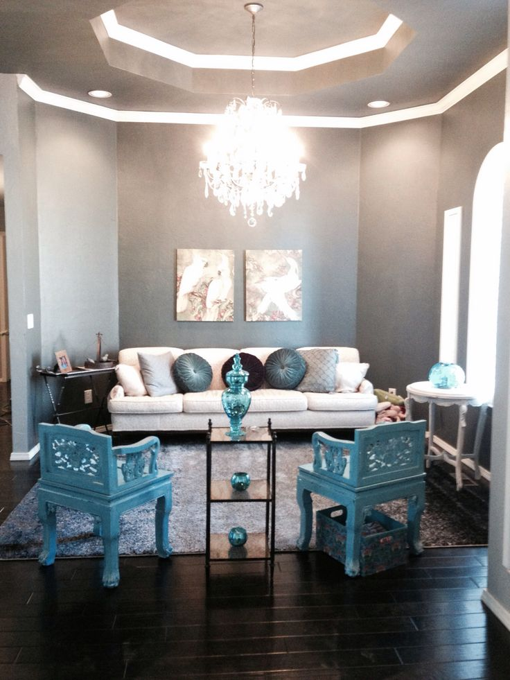 Blue gray turquoise living room treasures in the home for Black white turquoise bedroom ideas