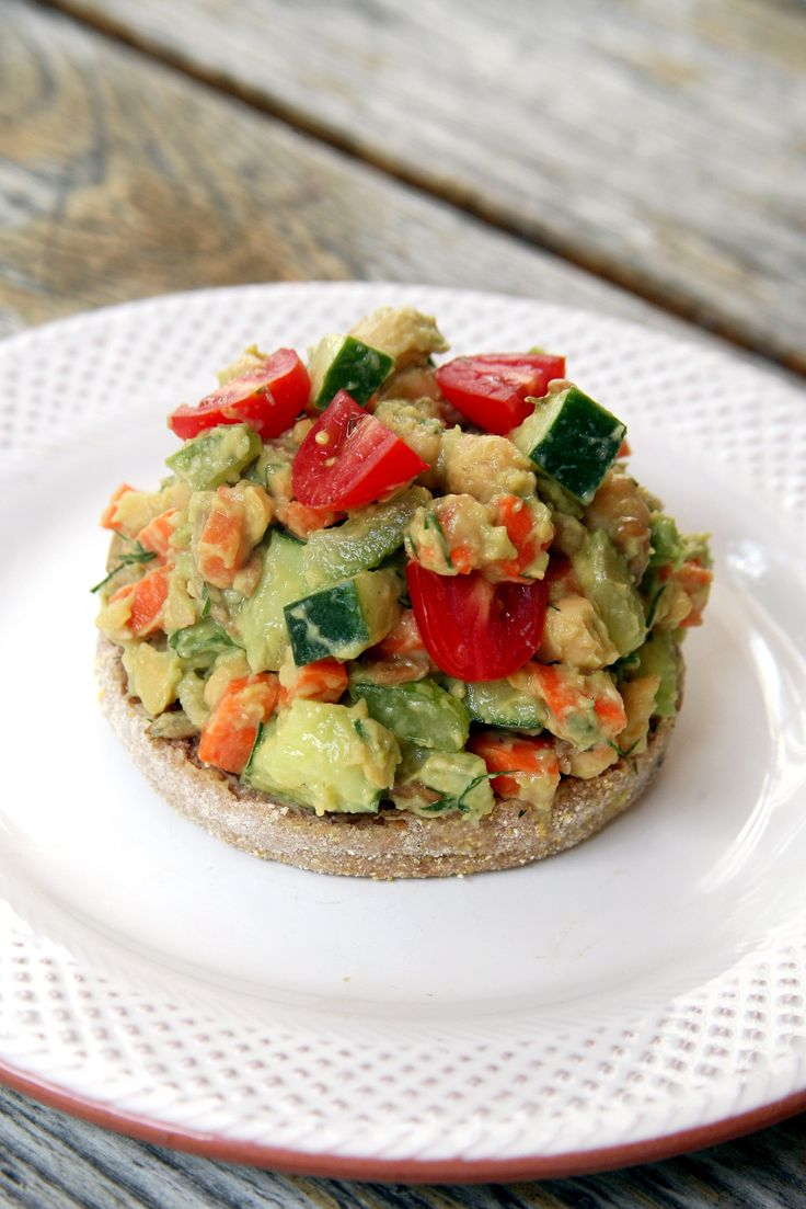 You want an easy lunch that's healthy and filling, right? Look no further than this zesty avocado chickpea salad, bursting with fresh dill, lemon, celery, cucumbers, and carrots. Even though it's served on just half an English muffin, you'll feel satisfied until dinner because it's full of fiber and protein. It throws together in less than 10 minutes, and you can even make a batch ahead of time to have a few days' worth of meals all ready when hunger strikes.