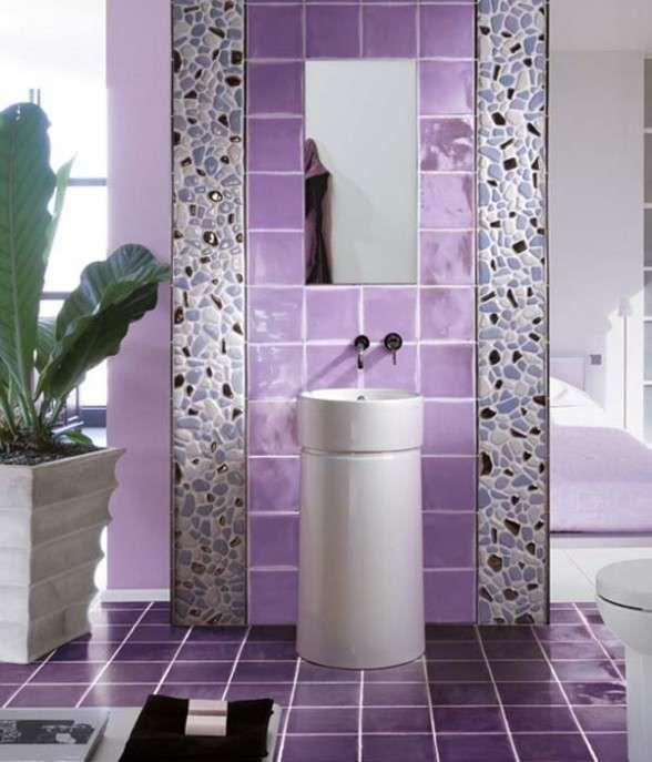Bagni a mosaico, foto dei più colorati ed eleganti - Bagni a mosaico, viola e colori chiari