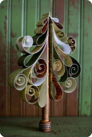 Simple DIY Holiday Centerpiece Ideas with paper.