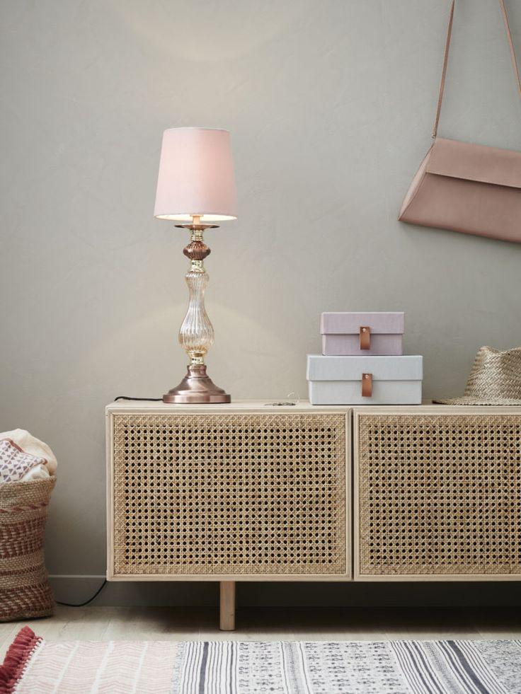 Heritage bordslampa från Markslöjd. Skärm i smutsrosa sammet. #rosa #markslöjd #bordslampa #lamp #interior #interiör #inspiration