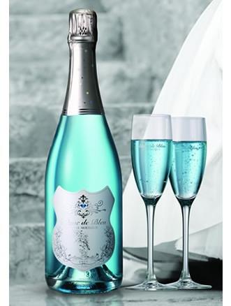Turquoise sparkling wine