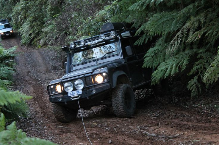 LandRover Defender, Bendethra trip, Merrucumbene Fire Trail,very steep, very slippery, no front diff thank goodness for the winch!