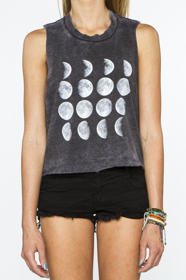 """""""Brandy Melville .. I want this shirt ."""