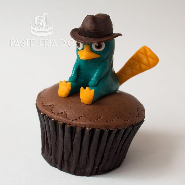 Perry el Ornitorrinco en chocolate para modelar / Modeling chocolate Perry the Platypus.