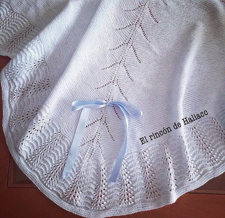 Materiales:     agujas de tejer de nº 2.5 mm   Perlé o lana acorde a las agujas   Lazo     Comenzamos     Empezar con 8 pun...