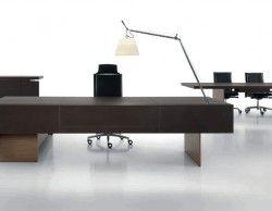 Презентабельный кабинет руководителя The Element в коже от фабрики Uffix