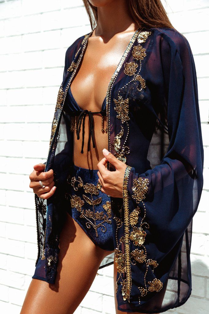☆THIS ITEM IS HAND-MADE IN VERY LIMITED NUMBERS☆ Hand-crafted chiffon kimono with ornate gold beading and sequin detail. Sequin details are featured on the fron