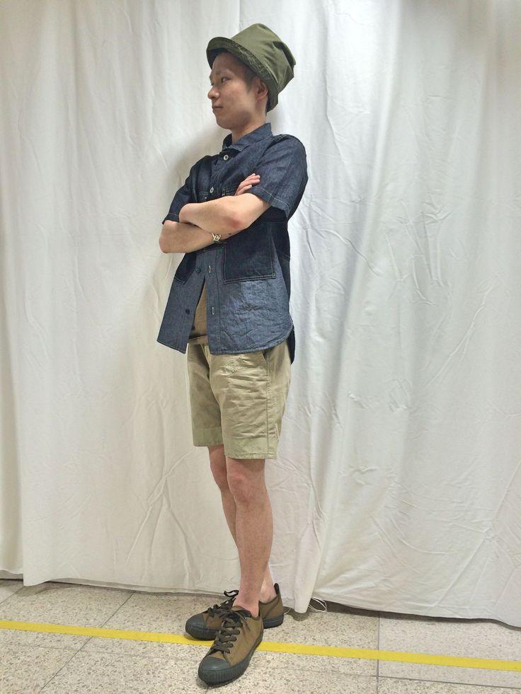 SCOTCH&SODA【スコッチ&ソーダ】新作ショーツのススメ シルエットのスッキリしたショーツをメインに、ミリタリーティストにスタイリングしてみました。 ジャストサイズで、着るのがポイントです!