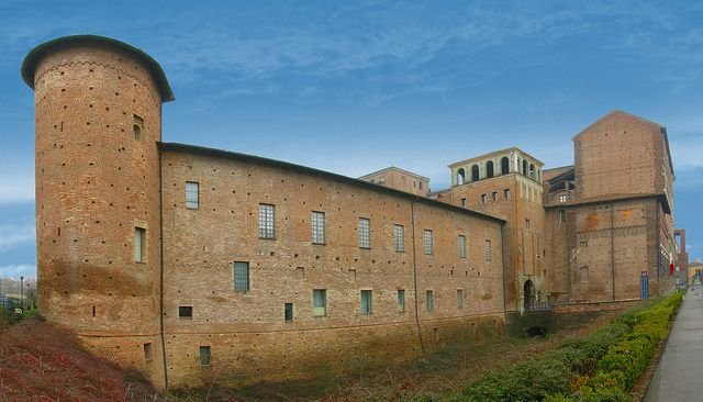 Piacenza – La cittadella e Palazzo Farnese - Foto di Giovanni Novara by Turismo Emilia Romagna, via Flickr